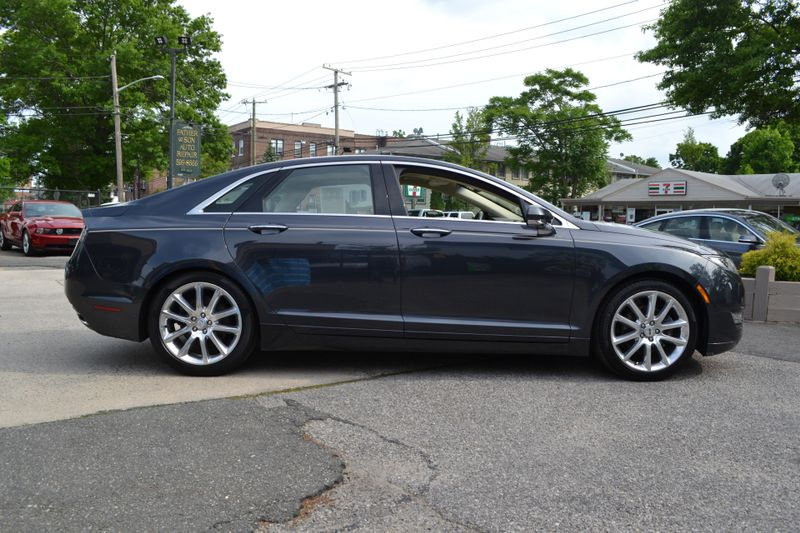 2014 Lincoln MKZ   city New  Father  Son Auto Corp   in Lynbrook, New