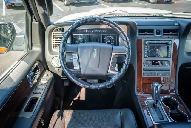 2014 Lincoln Navigator Base in Memphis, Tennessee 38115
