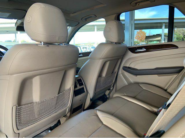 2014 Mercedes-Benz ML 350 1-OWNER * Lane Track * P1 * Keyless * NAV * Boards in Carrollton, TX 75006