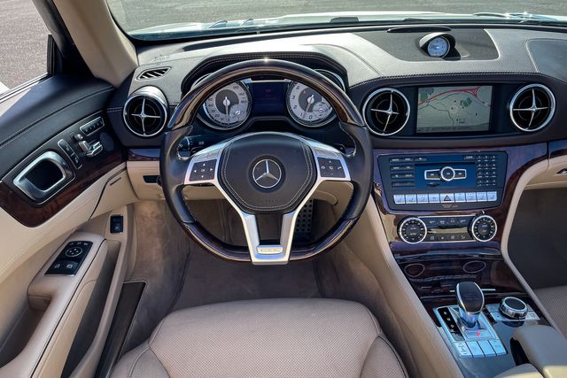 """2014 Mercedes-Benz SL 550 19"""" AMG Wheels, Nappa Leather and Voice Command in Memphis, TN 38115"""