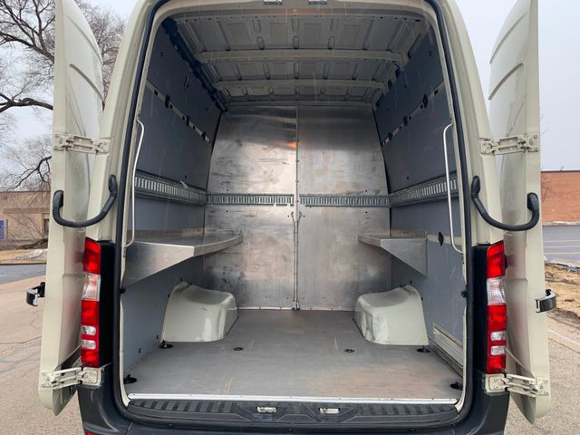 2014 Mercedes-Benz Sprinter Cargo Vans Chicago, Illinois 5