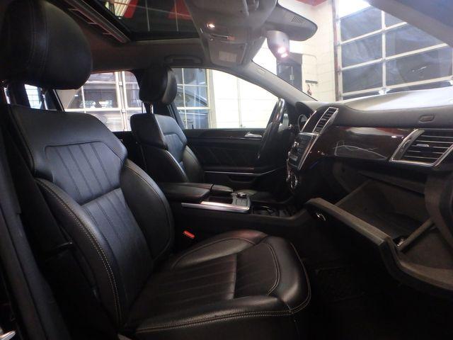 2014 Mercedes-Gl 450 4-Matic BEAUTIFUL MACHINE, WINTER READY Saint Louis Park, MN 37