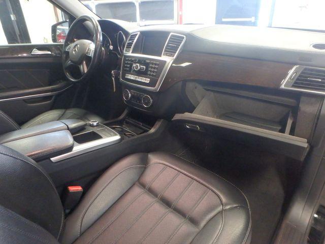 2014 Mercedes-Gl 450 4-Matic BEAUTIFUL MACHINE, WINTER READY Saint Louis Park, MN 8