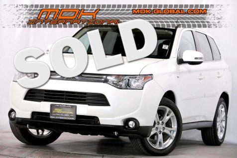 2014 Mitsubishi Outlander GT - 3rd row seats - AWD - Back up camera in Los Angeles