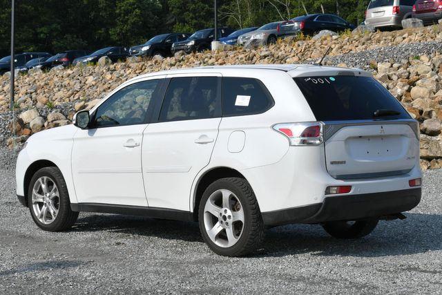2014 Mitsubishi Outlander SE Naugatuck, Connecticut 2