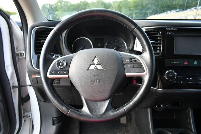 2014 Mitsubishi Outlander SE Naugatuck, Connecticut 23