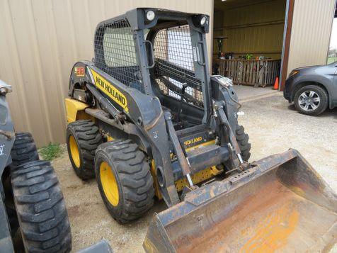 2014 New Holland L218 Skid Steer/ Loader | Abilene, Texas | Freedom Motors  in Abilene, Texas