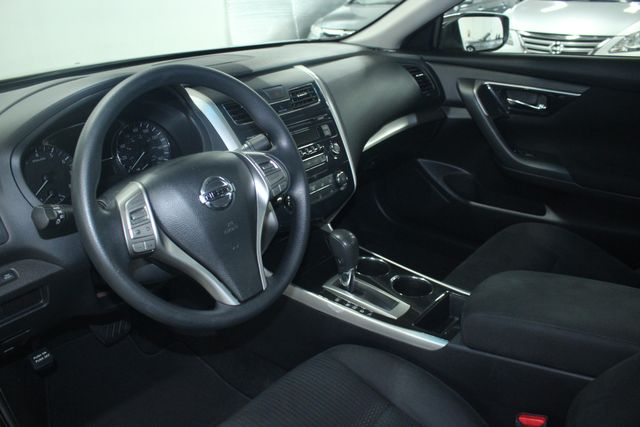 2014 Nissan Altima 2.5 S Kensington, Maryland 80