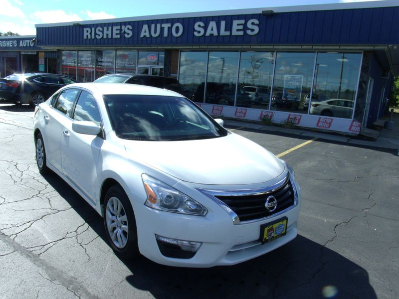 2014 Nissan Altima 2.5 S | Rishe's Import Center in Ogdensburg New York