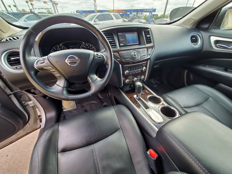 2014 Nissan Pathfinder SL  Brownsville TX  English Motors  in Brownsville, TX
