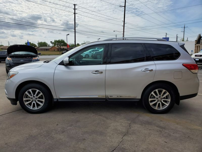 2014 Nissan Pathfinder SL  Brownsville TX  English Motors  in Brownsville, TX