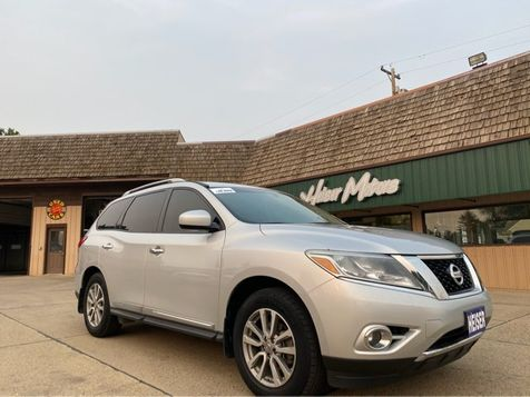 2014 Nissan Pathfinder SL in Dickinson, ND