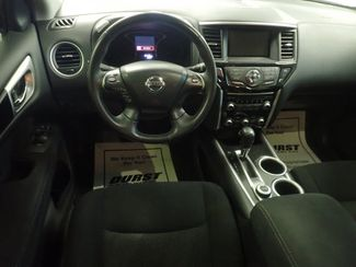 2014 Nissan Pathfinder SV Lincoln, Nebraska 4