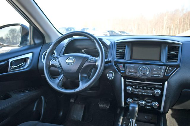 2014 Nissan Pathfinder SV Naugatuck, Connecticut 17