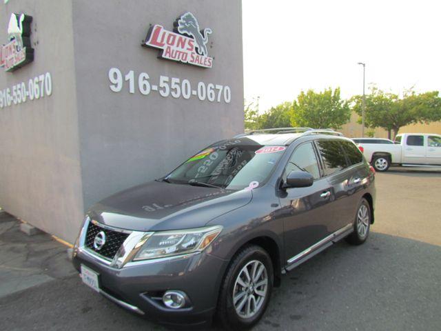 2014 Nissan Pathfinder SL in Sacramento, CA 95825