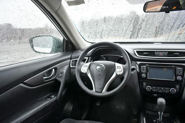 2014 Nissan Rogue SV Naugatuck, Connecticut 17