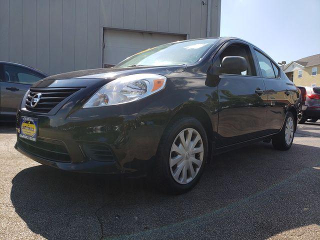 2014 Nissan Versa S Plus | Champaign, Illinois | The Auto Mall of Champaign in Champaign Illinois