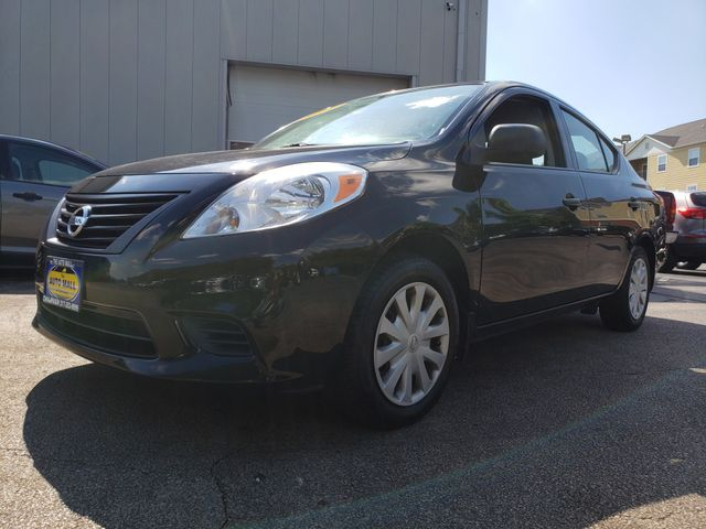 2014 Nissan Versa S Plus | Champaign, Illinois | The Auto Mall of Champaign in Champaign Illinois