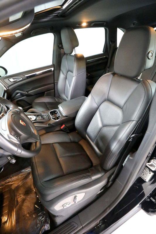 2014 Porsche Cayenne - BOSE - Back up cam - Nav - 48K miles  city California  MDK International  in Los Angeles, California