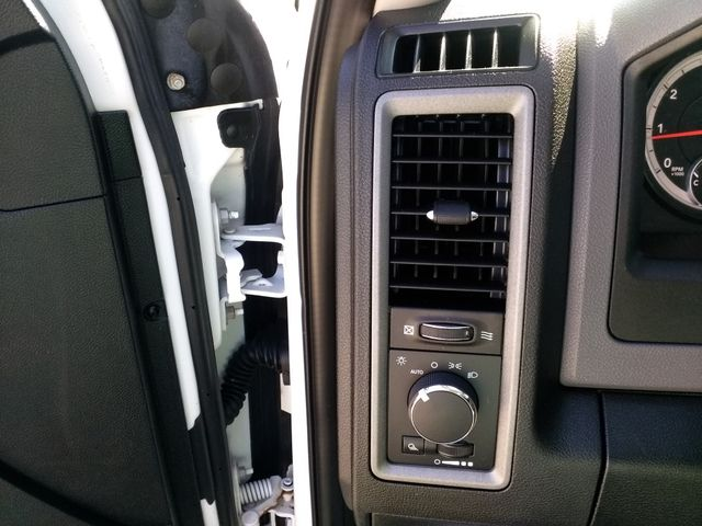 2014 Ram 1500 Crew Cab Tradesman Houston, Mississippi 15