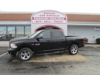 2014 Ram 1500 Crew 4WD in Fremont OH, 43420