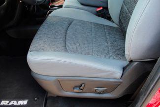 2014 Ram 2500 SLT Crew Cab 4X4 6.7L Cummins Diesel 6 Speed Manual Sealy, Texas 30