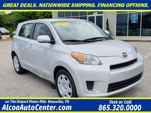 2014 Scion xD 4dr Hatchback