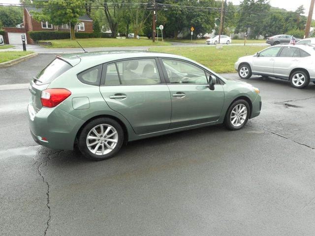 2014 Subaru Impreza 2.0i Premium New Windsor, New York 6