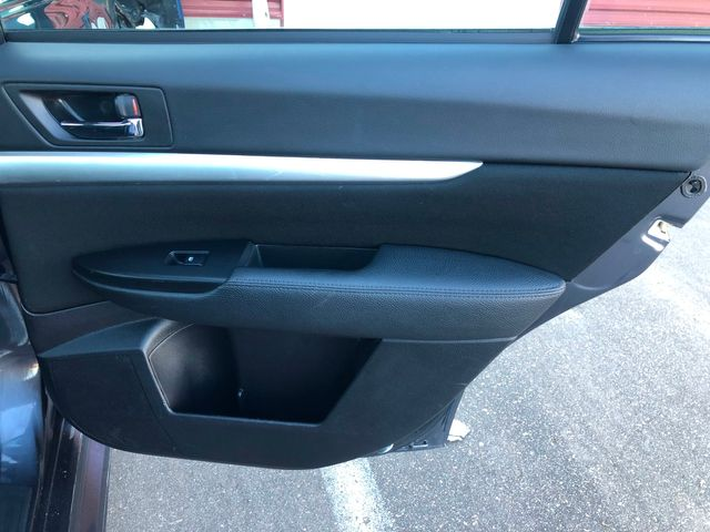 2014 Subaru Legacy 2.5i Premium Maple Grove, Minnesota 13