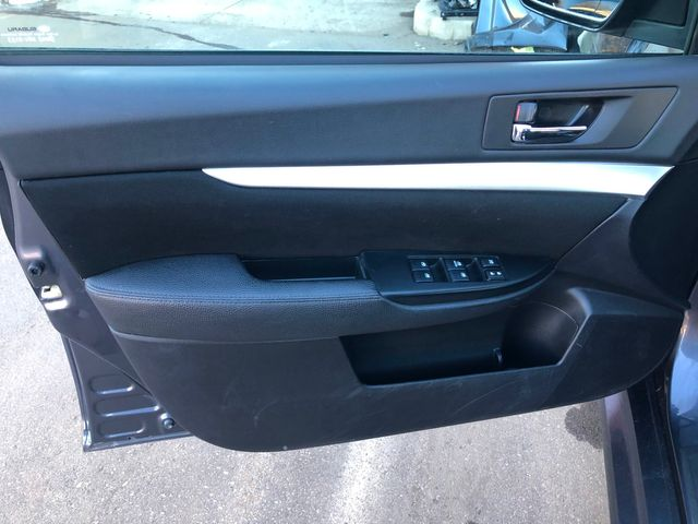 2014 Subaru Legacy 2.5i Premium Maple Grove, Minnesota 10