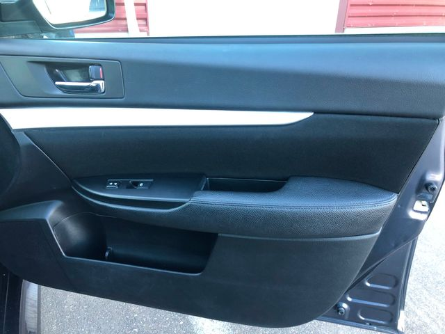 2014 Subaru Legacy 2.5i Premium Maple Grove, Minnesota 11