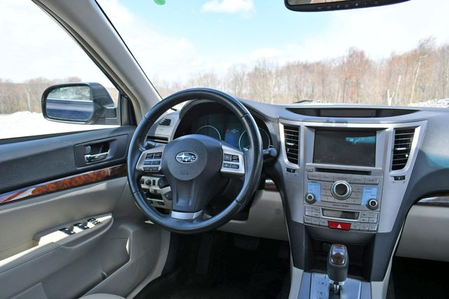 2014 Subaru Legacy 2.5i Limited AWD Naugatuck, Connecticut 13