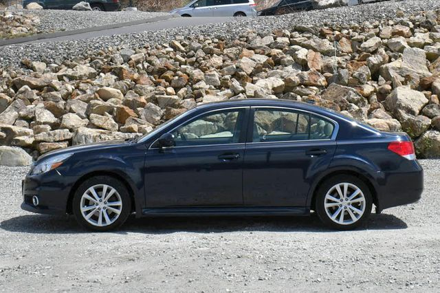 2014 Subaru Legacy 2.5i Limited AWD Naugatuck, Connecticut 3