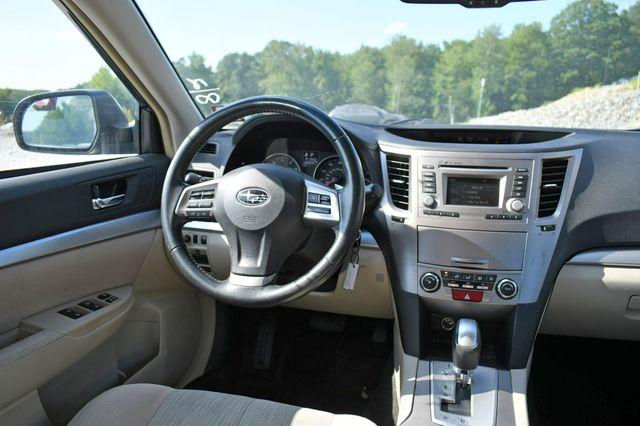 2014 Subaru Legacy 2.5i Premium AWD Naugatuck, Connecticut 16