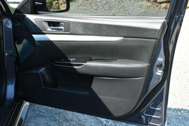 2014 Subaru Legacy 2.5i AWD Naugatuck, Connecticut 12
