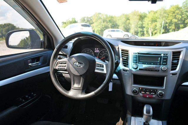 2014 Subaru Legacy 2.5i AWD Naugatuck, Connecticut 17