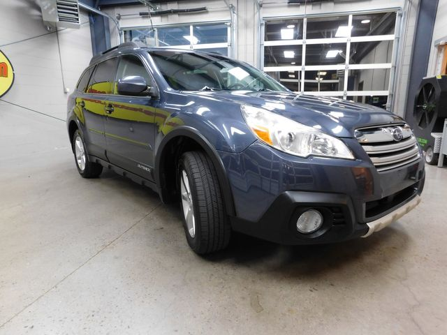 2014 Subaru Outback 2.5i Limited in Airport Motor Mile ( Metro Knoxville ), TN 37777