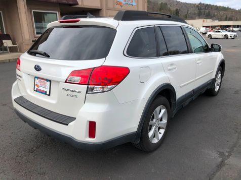2014 Subaru Outback 2.5i Limited | Ashland, OR | Ashland Motor Company in Ashland, OR