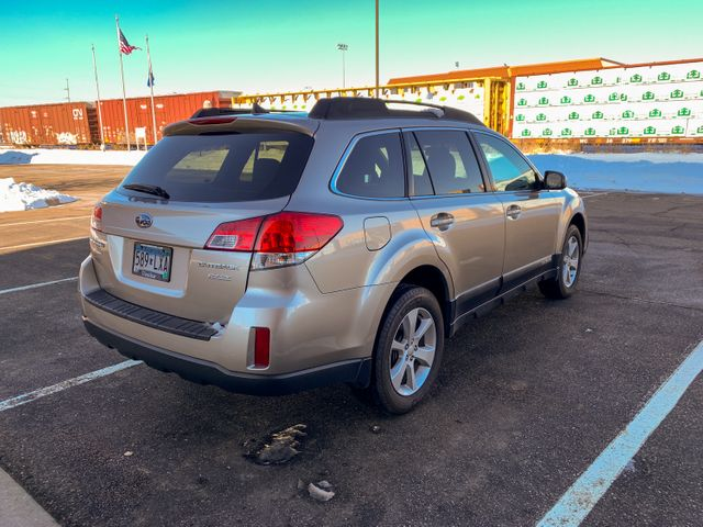 2014 Subaru Outback 2.5i Premium Maple Grove, Minnesota 3