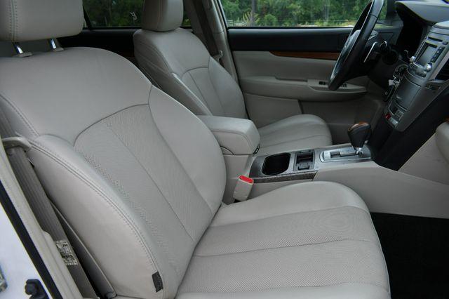 2014 Subaru Outback 2.5i Limited AWD Naugatuck, Connecticut 10