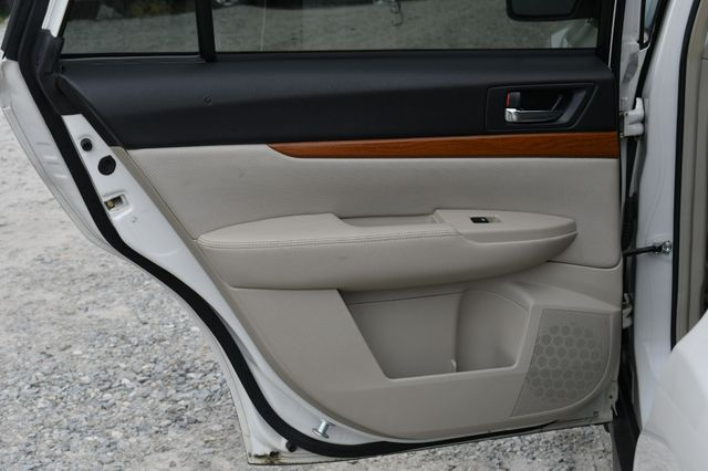 2014 Subaru Outback 2.5i Limited AWD Naugatuck, Connecticut 15