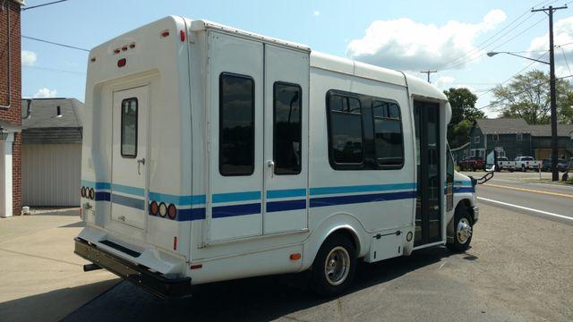 2014 Supreme Startrans Wheelchair Accessible Bus 8-10 passenger plus driver Alliance, Ohio 2