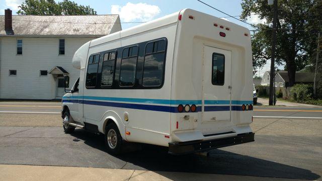 2014 Supreme Startrans Wheelchair Accessible Bus 8-10 passenger plus driver Alliance, Ohio 3