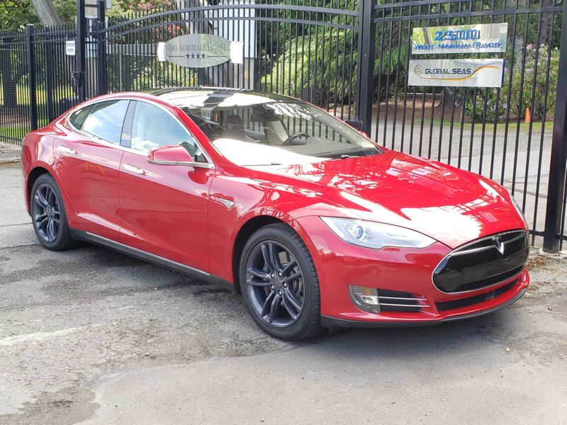 2014 Tesla Model S 85 Tech Package Auto Pilot 51000 Miles Local 1 Owner  city Washington  Complete Automotive  in Seattle, Washington
