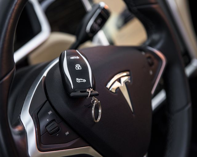 2014 Tesla Model S P85+ Burbank, CA 16