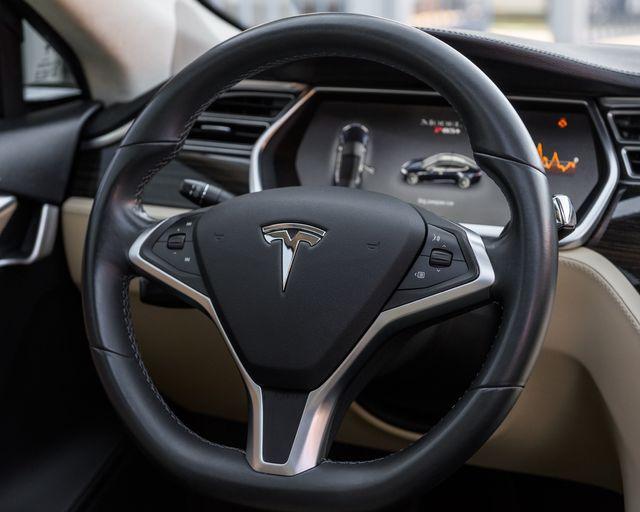 2014 Tesla Model S P85+ Burbank, CA 17