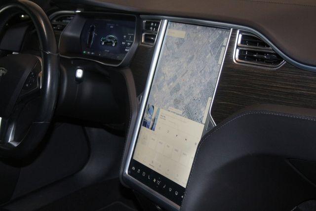 2014 Tesla Model S 60 kWh Battery Houston, Texas 25