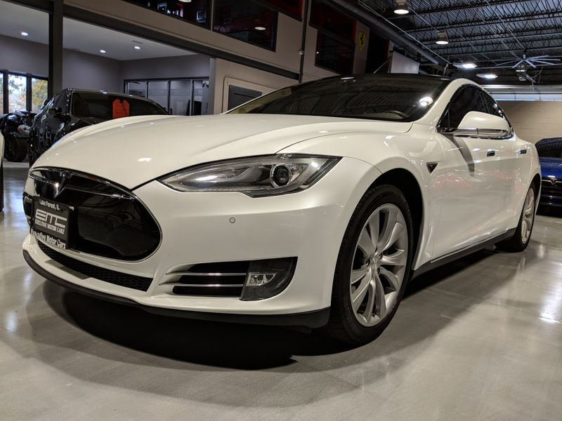 2014 Tesla Model S 60  Lake Forest IL  Executive Motor Carz  in Lake Forest, IL