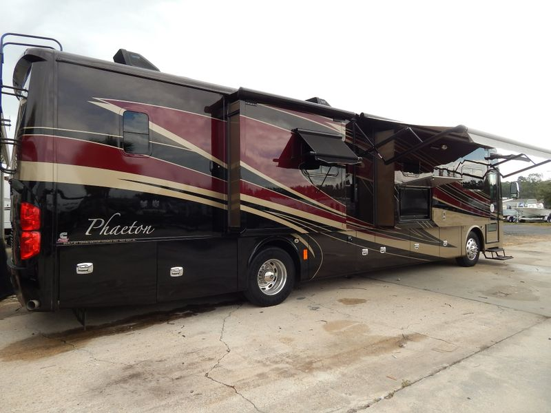 2014 Tiffin Phaeton 40QBH Bath and a Half  in Charleston, SC