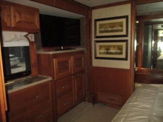 2014 Tiffin Phaeton 40QBH  city Florida  RV World of Hudson Inc  in Hudson, Florida